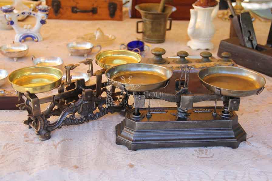 566e75313dd Home  Box 19 – Antiquários. Produtos  Máquinas de costura